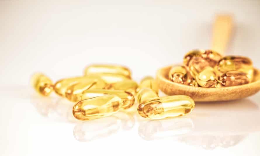 Yellow gelatin capsules
