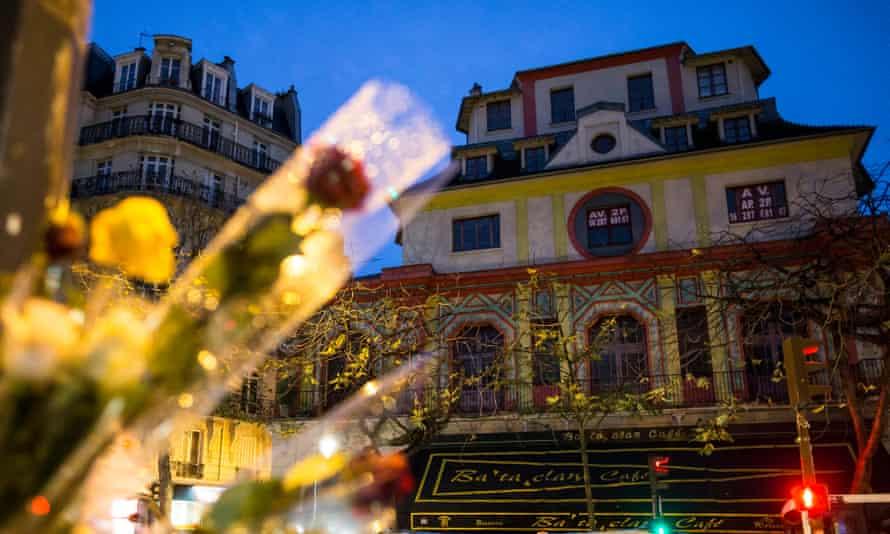 Roses outside the Bataclan on 19 November 2015.
