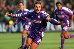 Gabriel Batistuta in action for Fiorentina in 1998