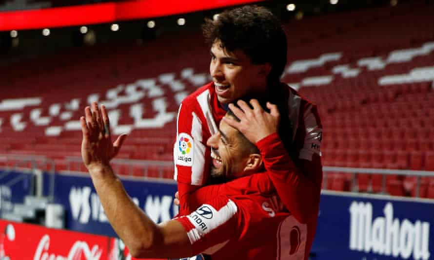 João Félix (left) and Luis Suárez (right) celebrate the latter's goal.