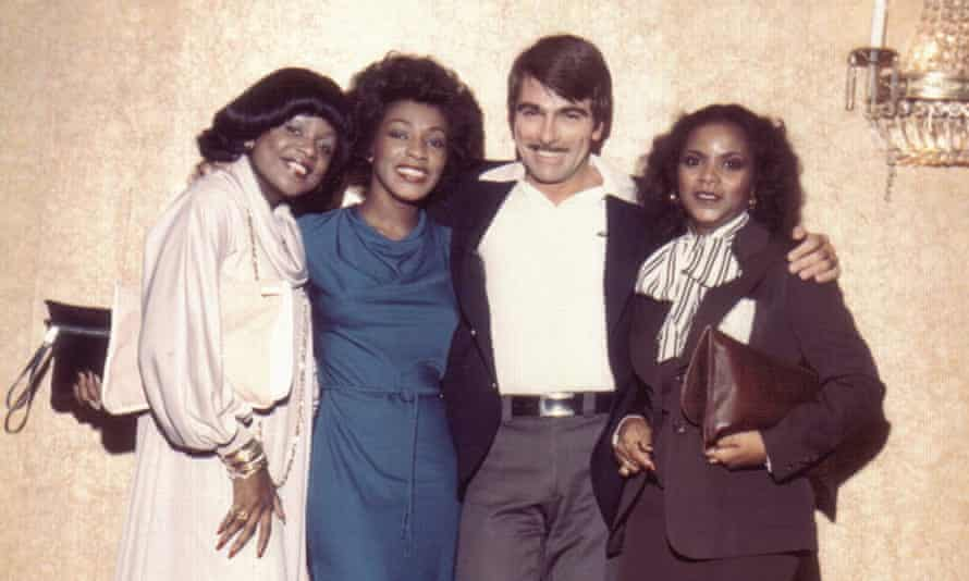Tom Moulton with the vocal group First Choice in 1977.
