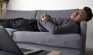 Huai Yang handelt von seinem Sofa bitcoin.