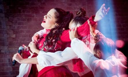 Rosalía performing at Village Underground, London, 17 October 2018.