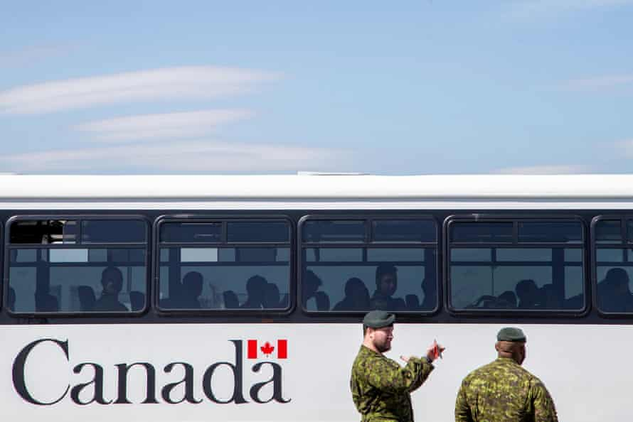 Canadian forces members in Toronto fan out across the country to help fight the coronavirus pandemic.