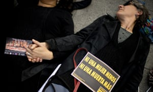 Women protest in Santiago