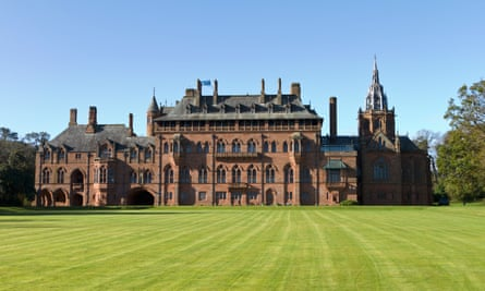 Mount Stuart House has an absorbing art collection and also a restaurant and self-catering cottages.