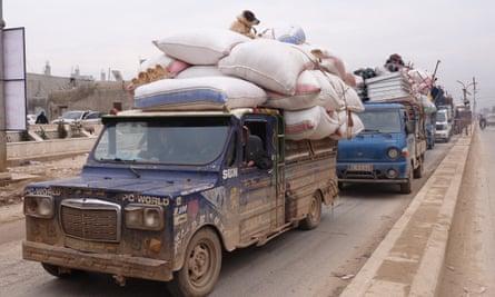 Thousands flee fresh attacks in Idlib