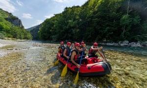 A Raft Kor group on the Neretva river.