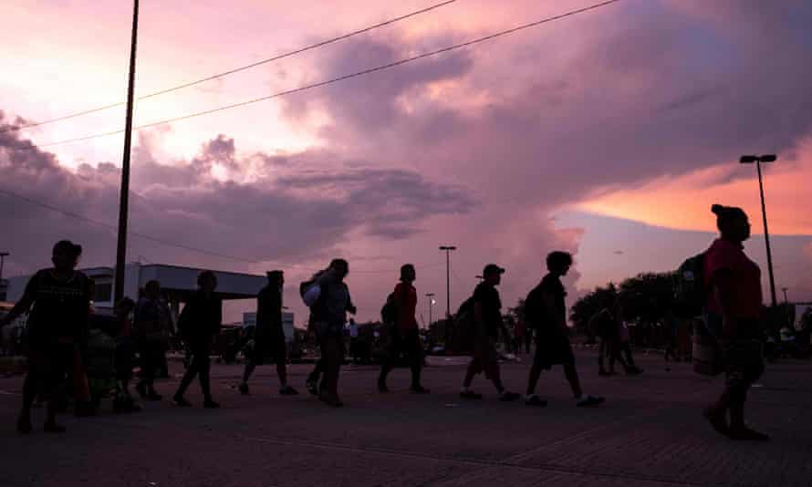Migrants heading in a caravan to the US, at La Ventosa, Oaxaca State, Mexico