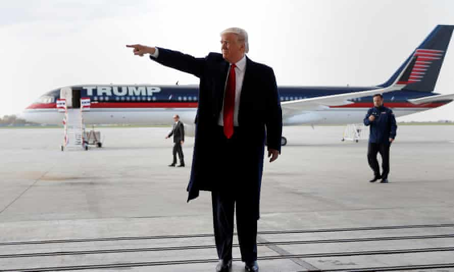 """""""Look, look, over there!"""" Donald Trump during the presidential campaign"""