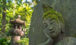 Buddhist statue, Nezu Museum, Omotesando, Tokyo, Japan