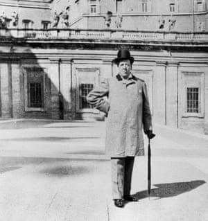 Roman holiday: Oscar Wilde on holiday in Italy.