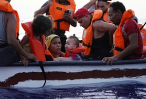 Lampedusa, Italy: eighteen migrants try to reach the Mediterranean island in a wooden boat