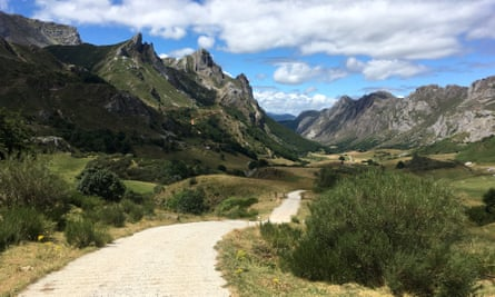 Walking in Spirit - mindful photography retreat, Spain