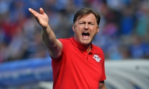 Ralph Hasenhüttl is said to be a demanding coach who fosters a positive atmosphere.