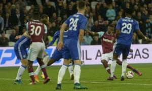 Edimilson Fernandes doubles West Ham's lead.