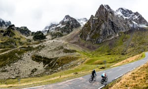 Tackling the epic Tourmalet on stage five.