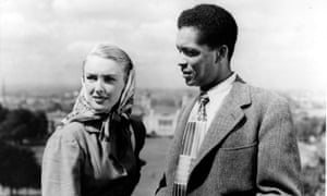 Susan Shaw and Earl Cameron in Pool of London.