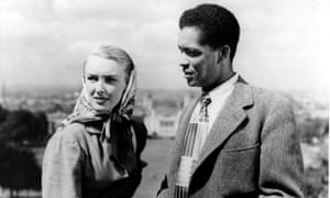 Cameron with Susan Shaw in Pool of London (1951).