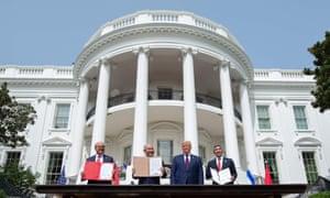 Trump a accueilli le Premier ministre israélien Benjamin Netanyahu et les ministres des Affaires étrangères des Émirats arabes unis et de Bahreïn pour la cérémonie à la Maison Blanche.