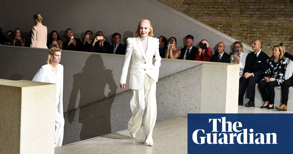621d01e39c075 Max Mara showcases Bowie-inspired collection in Berlin   Fashion ...