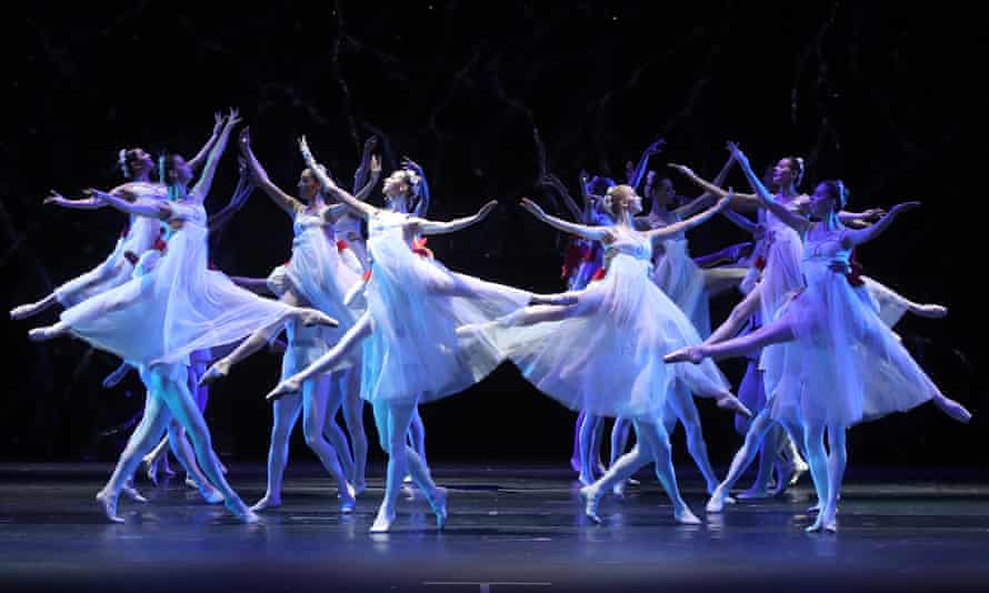 The Bolshoi ballet premieres its production Krakatukin Moscow in January 2020.