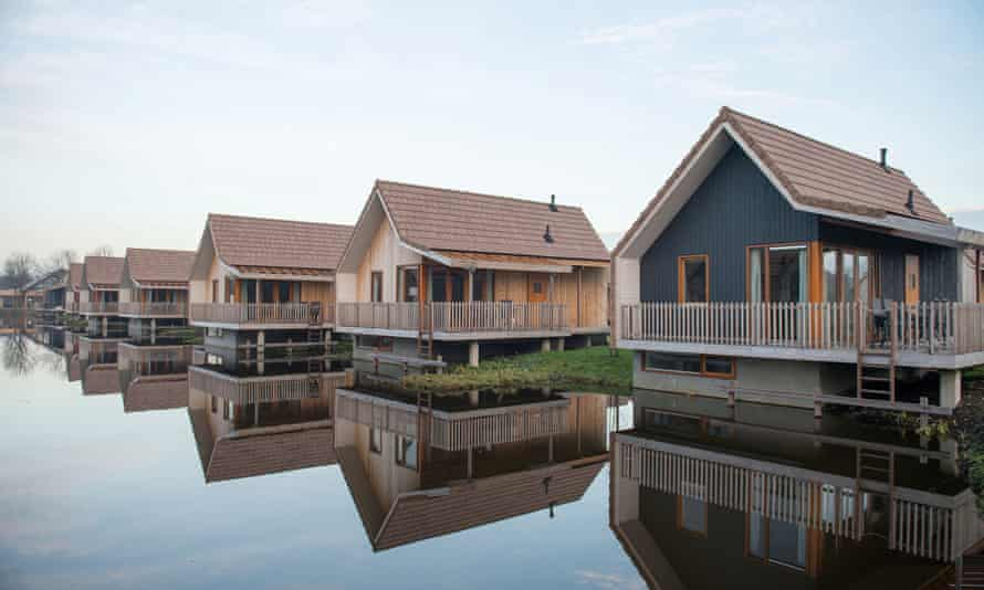 Overwater holiday cottages at Landal De Reeuwijkse Plassen