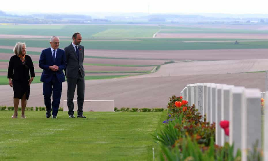 Malcolm Turnbull and his wife Lucy Turnbull tour the Australian National Memorial at Villers-Bretonneux with with French prime minister Édouard Philippe (right).