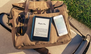 An e-ink screen doesn't emit its own light and is easily readable outdoors.