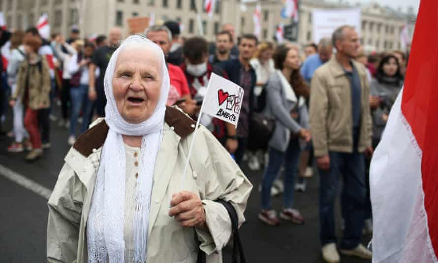 An elderly protester in Minsk.