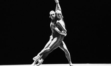 Sylvie Guillem and Laurent Hilaire in In the Middle, Somewhat Elevated for the Royal Ballet in 1992.