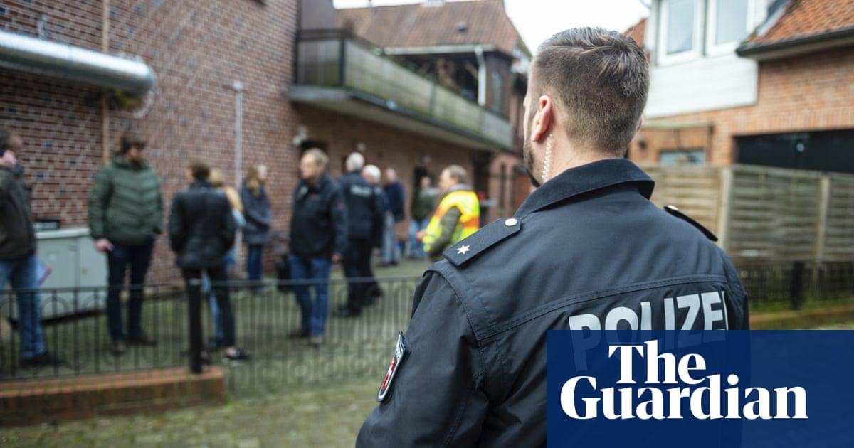 e8dc5281c German police raid 30 premises linked to far-right extremists ...