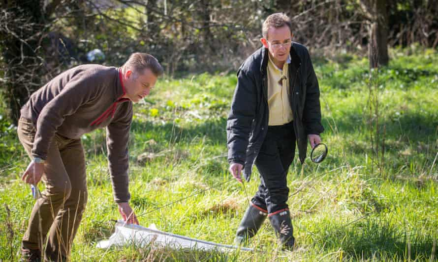 Chris Packham and Prof Richard Wall search for ticks in the Harlow area