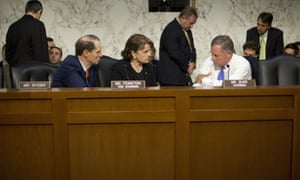 Richard Burr, right, with Dianne Feinstein and Ron Wyden