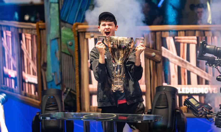 Kyle 'Bugha' Giersdorf celebrates winning the Fortnite World Cup