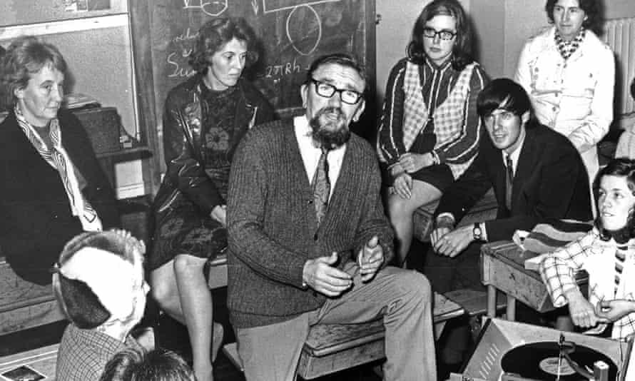 McGinn giving an evening class at East Kilbride high school, 1972.
