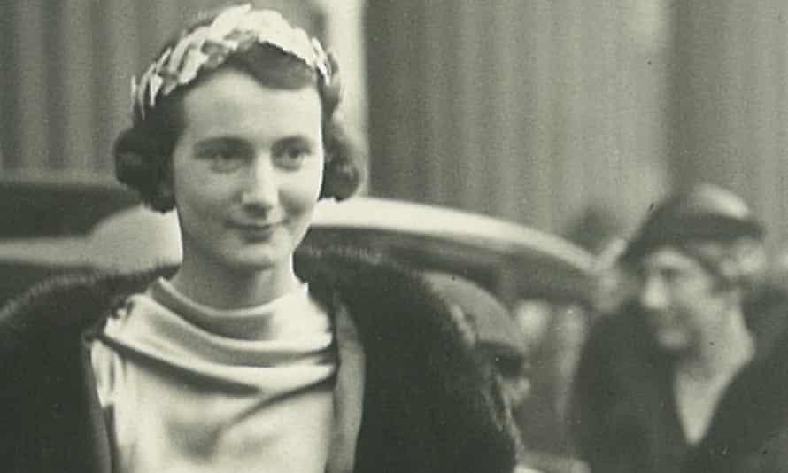 … Elisabeth, Lulah Ellender's maternal grandmother, in London.