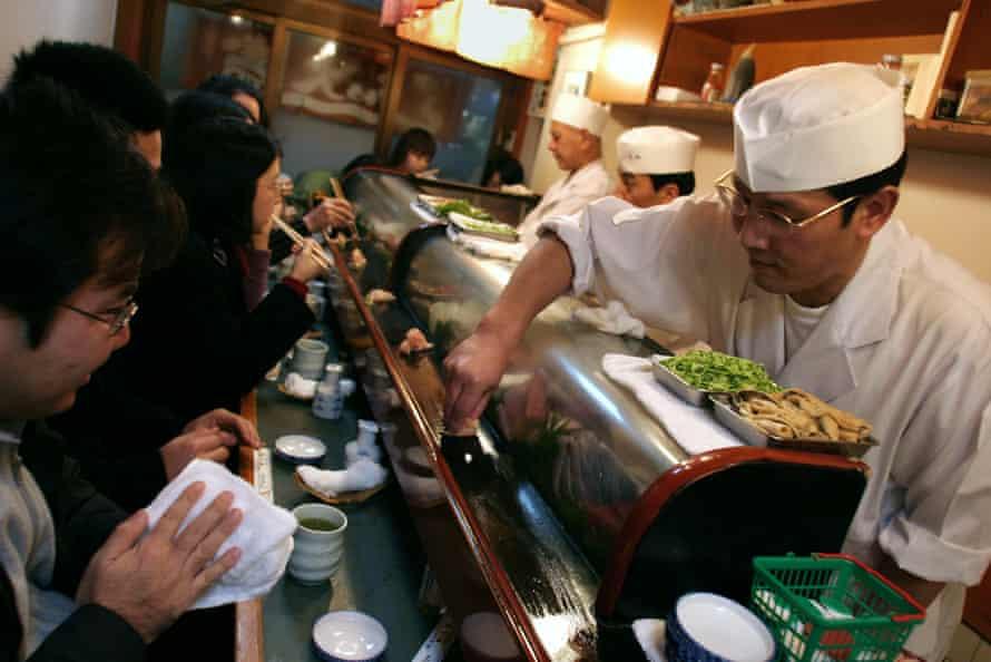 Sushi Dai restaurant at 8am