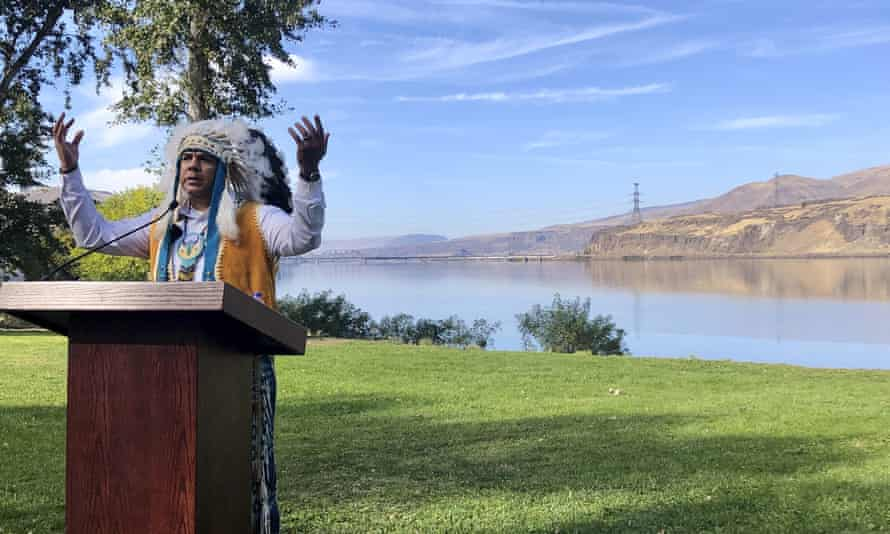 JoDe Goudy, chairman of the Yakama Nation, speaks in front of the Columbia river near the Dalles dam in October 2019. Construction of the dam destroyed Celilo Falls, an ancient salmon fishing site, in the 1950s.