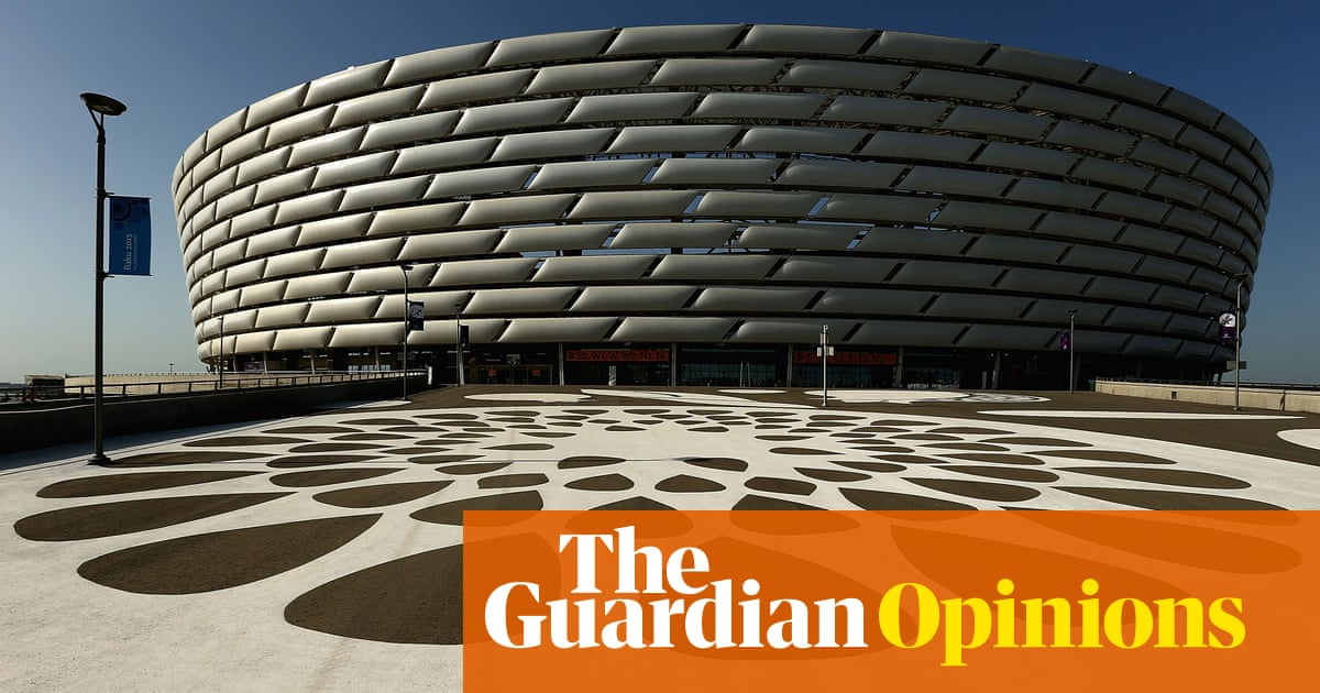 Football appears too self-important to bother itself about climate emergency | Louise Taylor