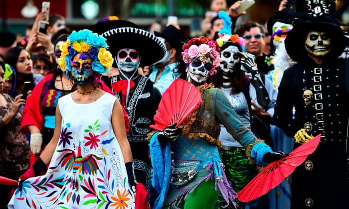 mexicans embrace day of the dead spectacle in place of halloween world news the guardian