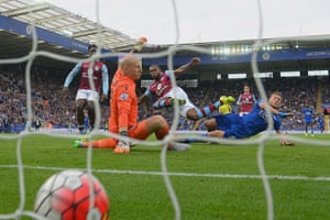 Jamie Vardy scores the equaliser as Leicester turn around a two-goal deficit to beat Aston Villa 3-2 on 13 September