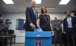 Benny Gantz and his wife Revital Gantz cast their votes in Tel Aviv.