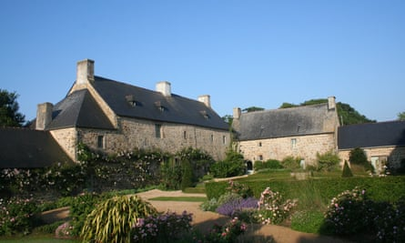 The courtyard and main house at Manoir de Troezel Vras, Brittany