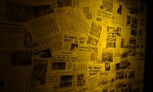 Un montaje de periódicos reporta los asesinatos del '68.