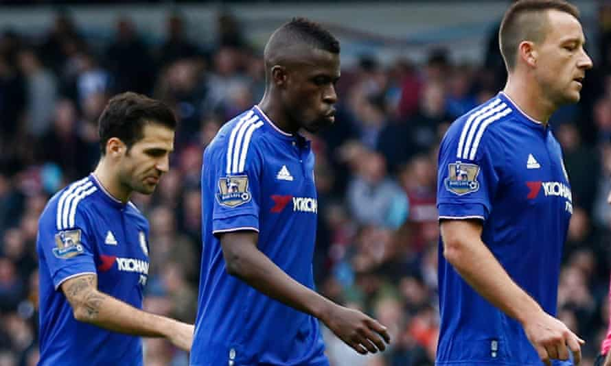 Cesc Fàbregas, left, has tweeted his support for José Mourinho stressing that he has an 'excellent relationship' with the Chelsea manager.