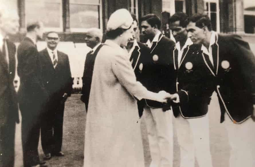 Surti meets the Queen on his team's 1967 tour of England.