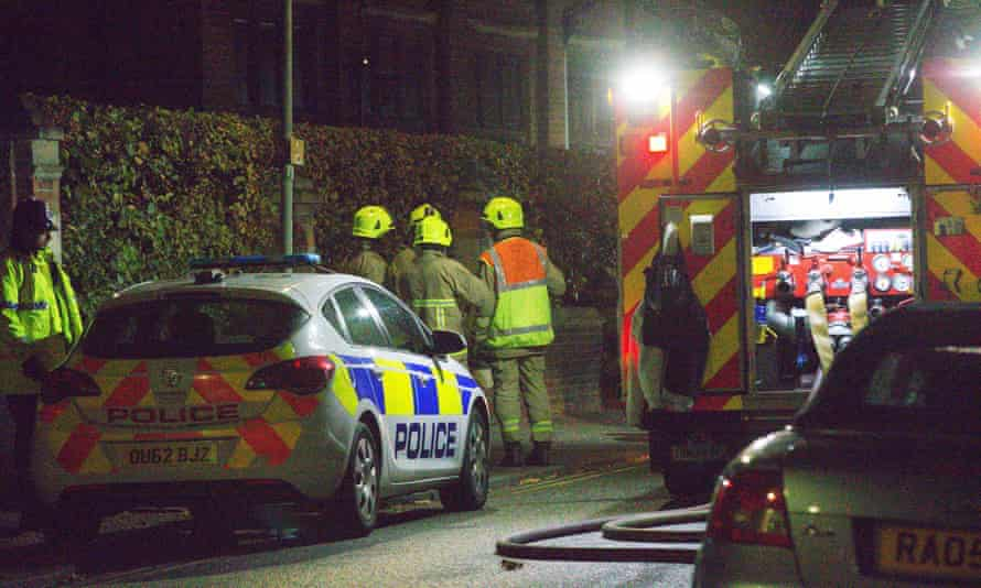 Emergency services arrive at Bedford prison as the riot erupts