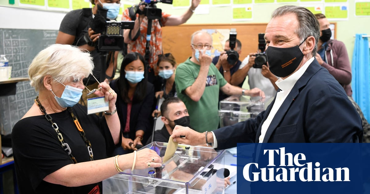 Macron and Le Pen face new test as France votes again in regional polls