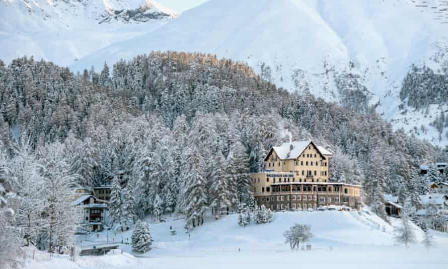 Sarah Pearse's The Sanatorium is set at a remote Swiss hotel.